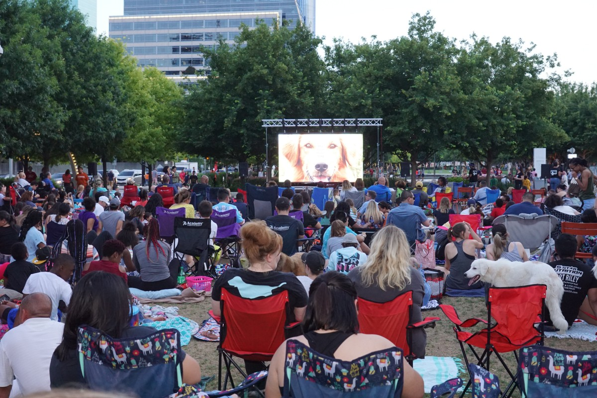 Klyde Warren Park's Movies in the Park